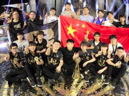 """英雄联盟S10全球总决赛将落户上海 中国电竞,从""""不务正业""""到品牌必争之地"""