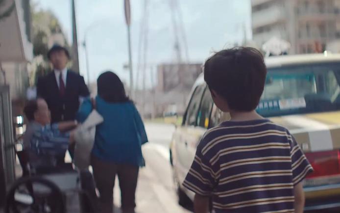 丰田科幻大片:东京街头惊现超能力小男孩