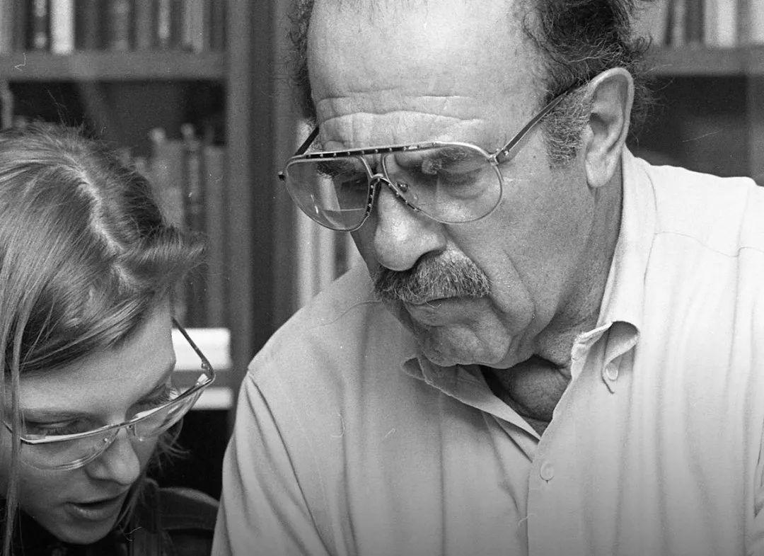 字体设计大师Ed Benguiat去世,曾设计600多款字体